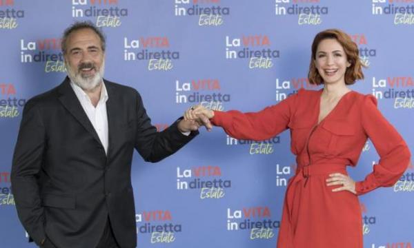 Ascolti Tv: Vita in Diretta Estate 13%. Male Delogu e Masi