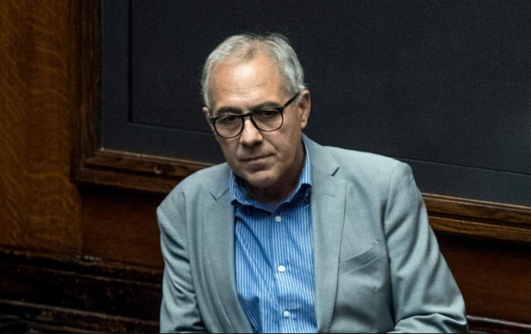 Michele Anzaldi Raggi prende in giro romani disservizio via petroselli referendum