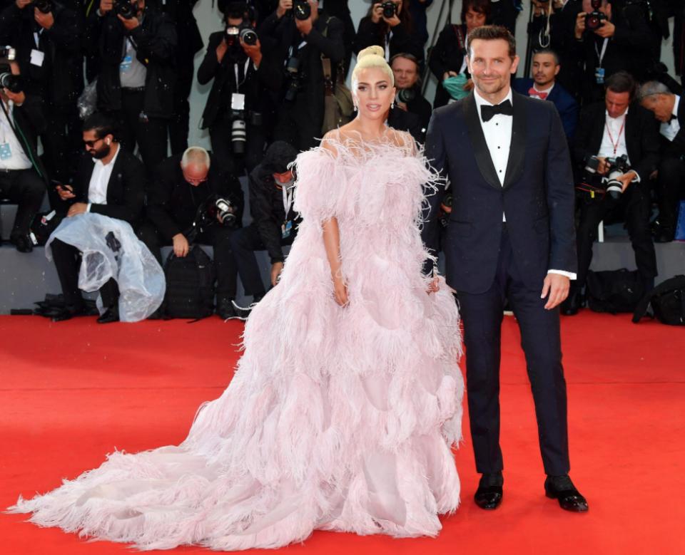 Lady Gaga Bradley Cooper A Star is Born Canale 5 prima visione Tv martedì 15 settembre 2020