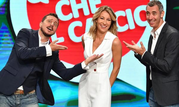 """Ascolti Tv. Flop Quelli che, precipita lo show """"di Caschetto"""". Male Maggioni"""