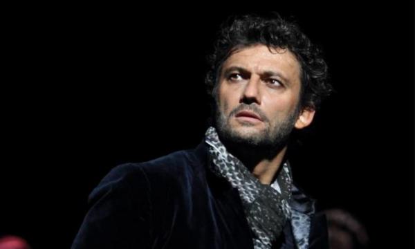 Ciaone Rai1! Il tenore manda a stendere la Scala e l'Ad Salini