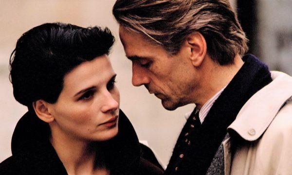 Film Tv venerdì 22 gennaio: La recluta, Sirene, Prima ti sposo poi ti rovino, Il danno
