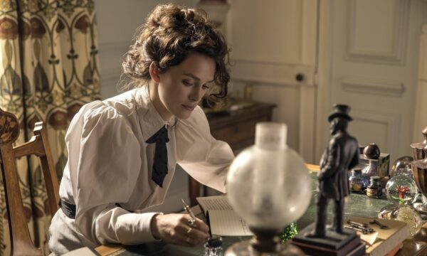 Film Tv lunedì 8 marzo: Titanic, Tre uomini e una gamba, Colette