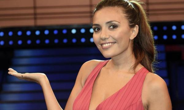 Rai1 annuncia le repliche di Canzone Segreta con Serena Rossi, ma gli utenti vanno in bestia