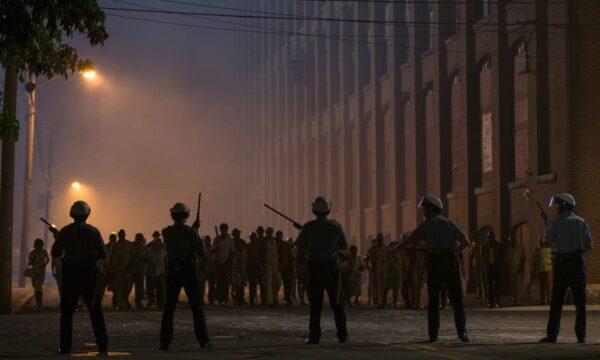 Film Tv martedì 9 marzo: Split, Detroit, Il genio della truffa