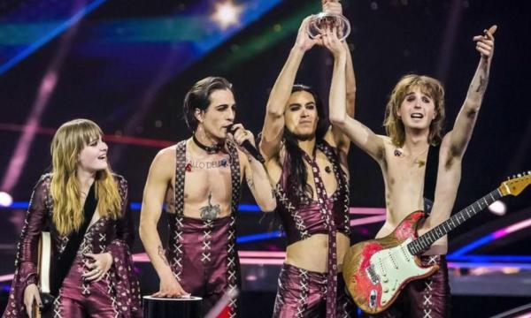 Ascolti Tv. Bene l'Eurovision senza concorrenza, ma il record di Amici è ben lontano. Cala Tv Talk