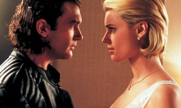 Film Tv 30 maggio. Femme Fatale di Brian De Palma, un thriller sospeso tra Hitchcock e Lynch