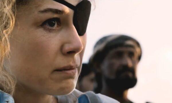 A Private War, la storia di Marie Colvin, reporter morta sul fronte siriano, prima visione di Rai3