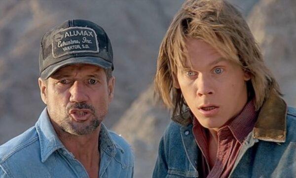 """Film Tv sabato 26 giugno con Tremors, il monster-movie """"autoironico"""" con Kevin Bacon, in prima serata"""