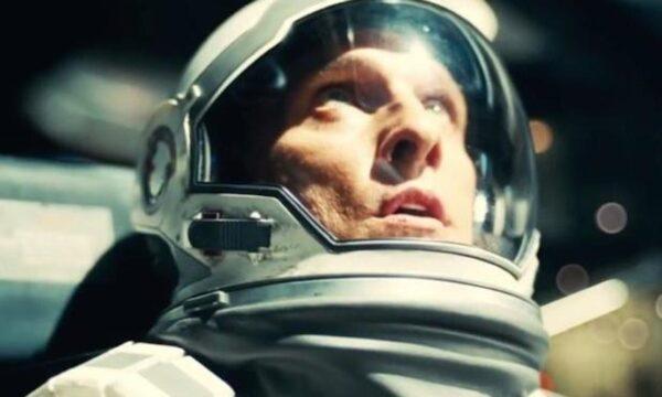 Film Tv venerdì 4 giugno con Interstellar, l'avventura extra galattica di Christopher Nolan, su Italia1