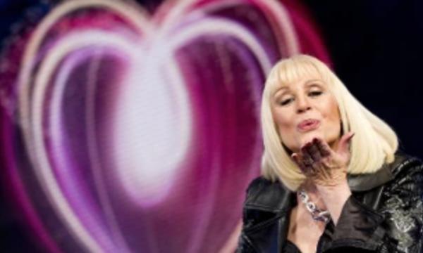 Ascolti Tv: Il sabato sera di Rai1 sprofonda con l'ennesimo omaggio alla Carrà