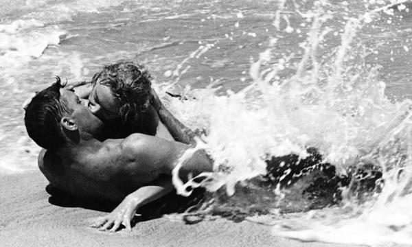 Film Tv 31 agosto. Da qui all'eternità: amore e morte sul fatale sfondo di Pearl Harbor
