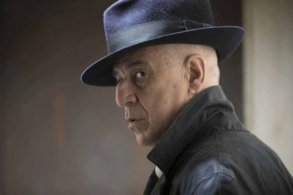 """Toni Servillo è Peppino Lo Cicero in 5 è il numero perfetto, noir """"fieramente partenopeo"""""""