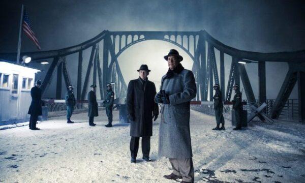 Film Tv 26 settembre. Il ponte delle spie: la guerra fredda raccontata da Spielberg