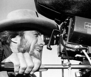 Clint Eastwood, regista e interprete de Il texano dagli occhi di ghiaccio La recensione del film su VigilanzaTv