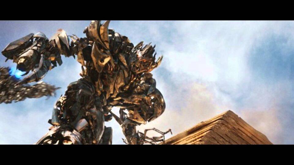 Film Tv 14 ottobre.Transformers 2. Il bene e il male in lotta, dalla filosofia ai robot La recensione del film su VigilanzaTv
