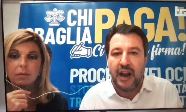 """Tg1, Salvini divide cuffiette con inviata. Anzaldi: """"I potenti mezzi pagati dal Canone?"""""""