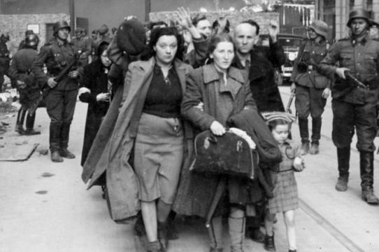 """Deportazione Ebrei, dopo Conte sbaglia anche il Tg2. Anzaldi: """"Ingiustificabile"""""""