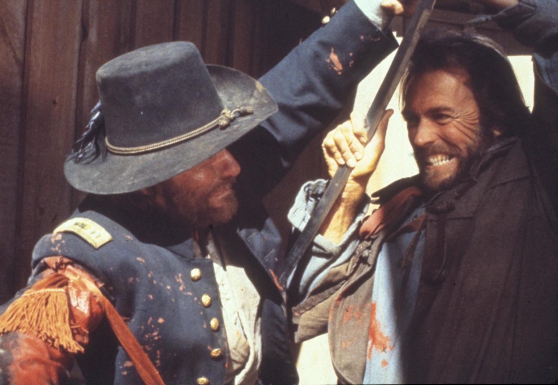 Clint Eastwood è Josey Wales ne Il texano dagli occhi di ghiaccio La recensione del film su VigilanzaTv